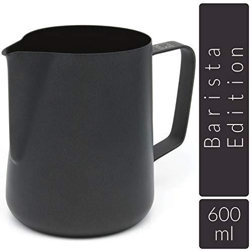 Lambda Coffee Milchkännchen für Barista Teflon beschichtet schwarz für Milchschaum, Milchschaumkännchen aus Edelstahl zum Milch aufschäumen und Latté Art, Milchkanne und Milk Pitcher 600 ml
