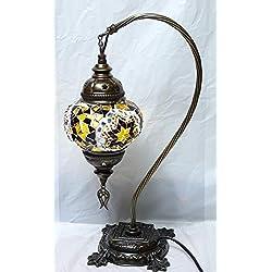 Lámpara Turca Sobre mesa curva, 43 cm por una bola 13 cm de diámetro (metal y cristal)