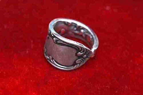 kleiner Ring'Rokoko'-Schmuck aus altem Silberbesteck R127