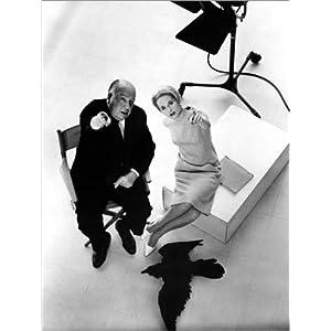 Posterlounge Acrylglasbild 30 x 40 cm: Die Vögel, Alfred Hitchcock und Tippi Hedren von Everett Collection – Wandbild, Acryl Glasbild, Druck auf Acryl Glas Bild