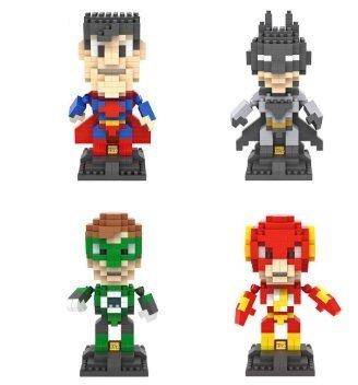 Die Justice League DC Comics Superhelden Building Blocks - 4 Zeichen Micro Nano -Diamant- Minifigur Brick Set - Kinder- Spielzeug -Geschenk DIY bauen zusammen ( Batman , Superman, The Flash , Green Lantern ) (Lego 2015 Batman-sets)
