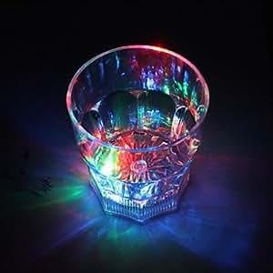 EN PROMO*** Verre LED PACK DE 2 Fashion Cocktails lumineux 25cl IDEAL POUR VOS SOIREES ! *** Sélecteur permettant de changer la couleur fixe, 7 coloris différents / Allumage au contact du liquide / Fonctionne avec 2 piles lithium CR 2032 fournies. NEUF