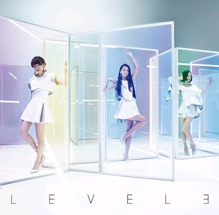 LEVEL3 (International Version) (1CD+1DVD)[003kr] ()