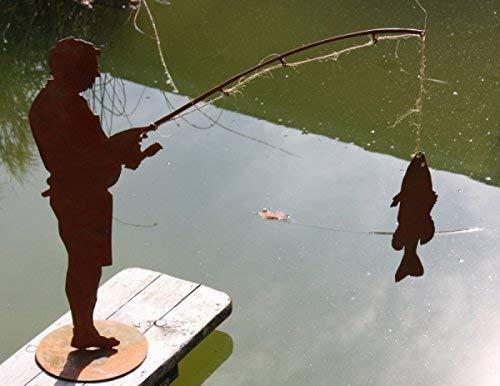 Rostikal | Angler Figur Otmar mit Fisch | Geschenkidee für Angelfreunde aus Edelrost | 65 cm Größe 1