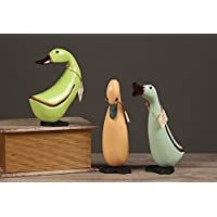 URGrace 3Pcs/Set Vintage Painted Hand Carved Cute Ducks Miniature Wooden Decoration Figurine Decor Wedding Gift Garden Dollhouse Ornament Model Christmas Toy for Kids