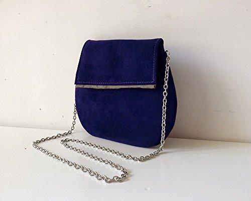 Pochette in pelle scamosciata blu cobalto con tracolla in acciao, BBagdesign.