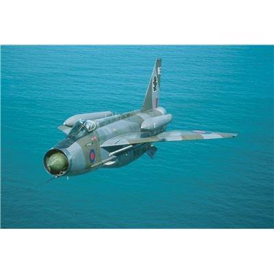 Preisvergleich Produktbild Revell Modellbausatz 04301 - BAC Lightning F.6 im Maßstab 1:72