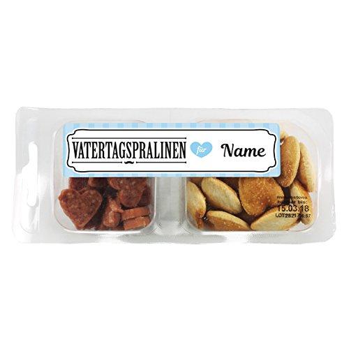 Herz & Heim® Vatertragspralinen mit Namen des Papas im Etikett - deftige Snackbox mit Salamiherzen und Kräcker