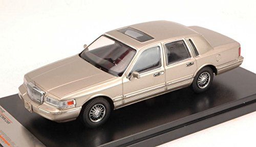 premiumx-prd102-lincoln-town-car-1996-champagne-143-modellino-die-cast-model