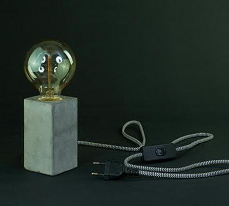 Glühlampe Halterung - Grauer Zementfuß - 6cmx6cmx11cm - Geeignet für E27 - Zuleitung 1,5m - Mit Schalter