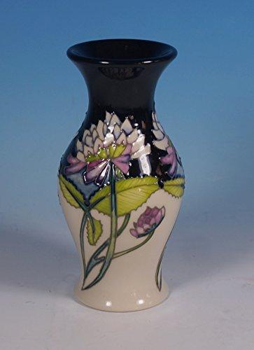 A Moorcroft Trefoil Clover Vase Shape 226/5 By Nicola Slaney 1st Rrp £190