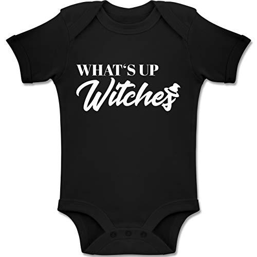 Shirtracer Anlässe Baby - Whats up Witches - 18-24 Monate - Schwarz - BZ10 - Baby Body Kurzarm Jungen - Un Halloween Costume Faire