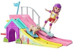 Barbie Chelsea, muñeca y su parque de patinaje, accesorios muñeca (Mattel FBM99)