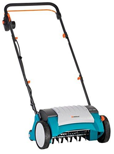 GARDENA Elektro-Vertikutierer EVC 1000: Rasenlüfter mit Arbeitsbreite 30 cm, 1000 W, Rasenfläche bis 1000 m², Verstellhebel für Arbeitstiefe, teilbares Gestänge, Räder mit Spezialprofil (4068-20)