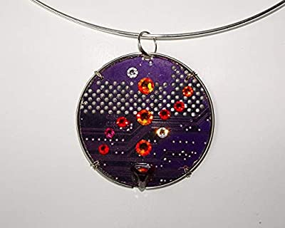 Speciimen - Bijou pour Femme en Circuit Imprimé Recyclé avec Cristal Swaroski - Pendentif Violet Rond et Réversible - Exemplaire Unique Fait Main