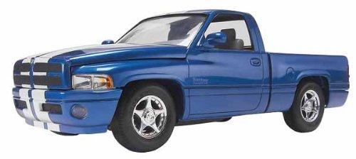 revell-1-25-dream-rides-dodge-ram-vts-pickup