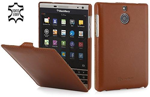 StilGut UltraSlim Case, Hülle Tasche aus Leder für BlackBerry Passport Silver Edition, Cognac