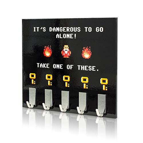 (getDigital Dangerous to go alone Schlüsselbrett | The Legend of Zelda Schlüsselleiste mit 6 Schlüssel-Haken | Exklusiver Fanartikel zum berühmten Klassiker von Nintendo)