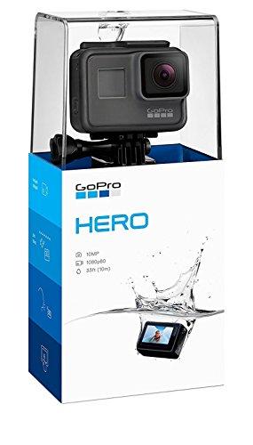 """GoPro Hero. Tipo HD: Full HD, Máxima resolución de video: 1920 x 1080 Pixeles, Velocidad máxima de cuadro: 60 pps. Total de megapixeles: 10 MP. Diagonal de la pantalla: 5,08 cm (2""""). Unidad de almacenamiento: Tarjeta de memoria, Tarjetas de memoria c..."""