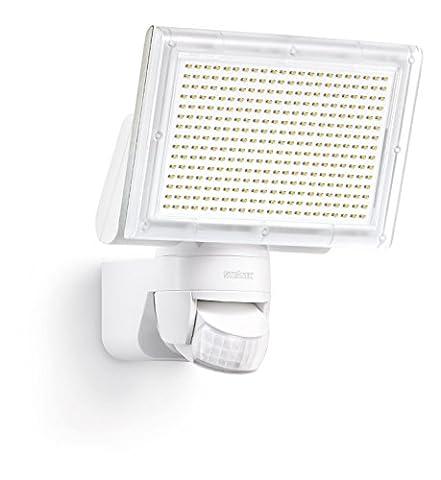 Steinel Sensor LED Strahler XLED Home 3 weiß - NEU mit neutralweißer Lichtfarbe 4000 K, LED-Scheinwerfer mit 140° Bewegungsmelder und max. 14 m Reichweite, Fluter mit 20 Watt und 1426 Lumen, 029715