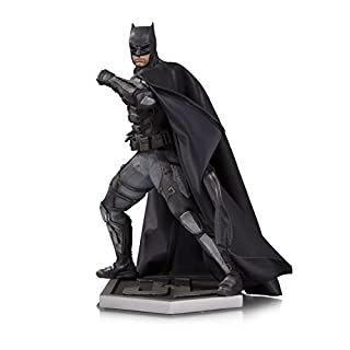 DC Comics MAY170370 Justice League Movie Batman Statue - Black/grey