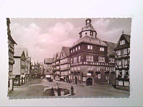 AK. Herborn - Dillkreis. Marktplatz mit Rathaus. s/w.