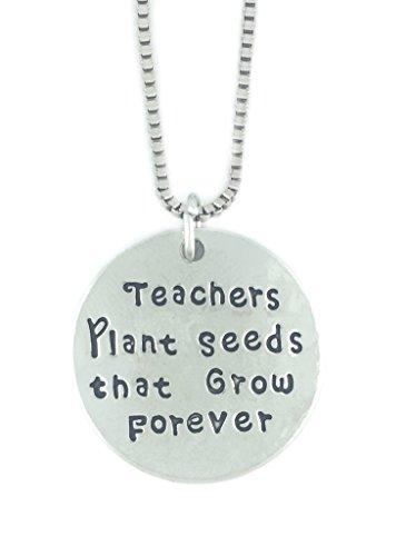 tono-plateado-los-maestros-plantan-semillas-que-crecen-para-siempre-en-ingles-collar-grabado-colgant