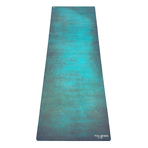 Yoga Design Lab Die Yogamatte Travel leicht, faltbar, Eco Luxus Matte/Handtuch | Design in Bali | ideal für Hot Yoga, Bikram, Pilates, Barre, Schweiß | 1mm dick | inkl. Tragegurt. (ägäis grün)