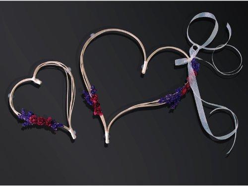 Preisvergleich Produktbild Rattan- Herz mit Blütenschmuck zur Deko für den Brautwagen