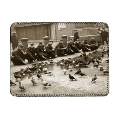 american-troops-feeding-pigeons-in-london-ipad-cover-protective-sleeve-art247-ipads-1-and-2