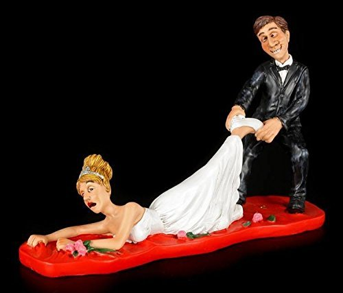 Funny Cake - Boyfriend zieht Bride REAR TO HIMSELF HER - ZU evening - COUPLE OF GIRLFRIEND boyfriends Figure