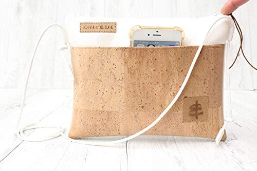 Clutch Aus Weißem Leder Handtaschen (Festivaltasche aus Kunst-Leder in WEISS mit Reißverschluss und einer Aussen-Tasche aus Kork-Leder in SAND sowie mit farblich passender Kordel in Leder-Optik.)