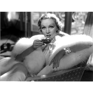 Posterlounge Acrylglasbild 40 x 30 cm: Marlene Dietrich in Desire von Everett Collection – Wandbild, Acryl Glasbild, Druck auf Acryl Glas Bild
