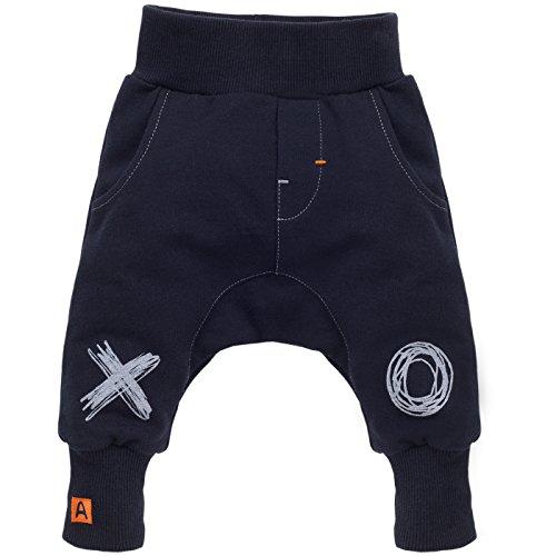 Pinokio - Xavier - Baby Hose 100{09ec6f6d563d46d368ae16bb83e216274d137ad49e35d1ffc751c14b70675cf9} Baumwolle,dunkelblau-schwarz - Jogginghose, Haremshose Pumphose Schlupfhose- elastischer Bund, unisex (62)