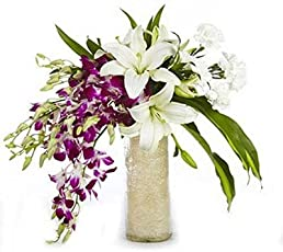 FloraZone Royal Gift Mix Flowers In a Glass Vase Same Day Delivery