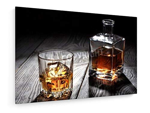 Oleksii Lukin - Glas Whisky mit EIS auf Holztisch - 120x80 cm - Leinwandbild auf Keilrahmen - Wand-Bild - Kunst, Gemälde, Foto, Bild auf Leinwand - Kochen & Essen - Braun Schwarz Karaffe