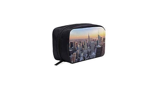 JOCHUAN Sacs de Taille New York City Skyline Over River Fanny Sac de Taille avec Prise Casque et Bretelles r/églables Pack de Taille Homme pour Voyage Sports Randonn/ée