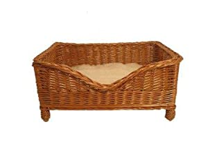 Luxury Wicker Pet Basket with Cushion and PnH Veterinary Bedding ® - Medium