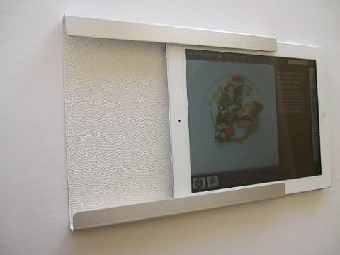 Support, domotique, fixation murale pour iPad Mini 1, 2, 4, avec ou sans coque fine de protection (BLANC). En aluminium et intérieur façon cuir. Idéal dans la cuisine ou au bureau.