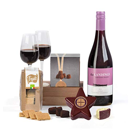 Hay Hampers Our Star Cheese Selection w Crackers & Chutney Hamper Box - Free UK delivery