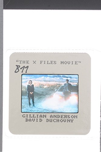 slides-photo-of-a-scene-from-the-film-the-x-files-casting-by-david-duchovny-and-gillian-anderson