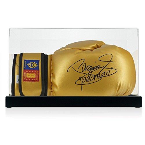 Gold Boxhandschuh von Manny Pacquiao unterzeichnet. In der Vitrine