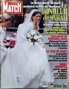 PARIS MATCH N° 2357 du 28-07-1994 LA REINE MARIE SA NIECE - L FILLE DE MARGARET - LE BONHEUR DE SARAH. DIANA N'A PAS DROIT A LA PHOTO OFFICIELLE. BALLADUR EN PREMIERE LIGNE - MITTERRAND. LA FILLE DE ROMY - SARAH. BRUEL REPORTER A LOS ANGELES - IL S'ENFLAMME POUR LE BRESIL. Balladur en premi-Åre ligne Caroline de Monaco et Vincent Lindon Dustin Hoffman Karl Lagerfeld La nouvelle rEvolution esthEtique Le professeur Montagnier Les Jalna Mia Farrow Patrick Bruel Rouen l'armada du r-Éve Rwanda la ...