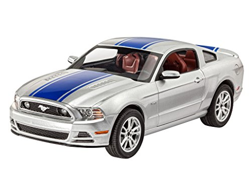 revell-07061-ford-mustang-gt-2014-47-parts-1-25-escala
