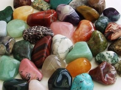 GeoFossils 1KG Assorted Tumble Stones (30-50mm XL)