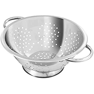 Fackelmann Abseihschüssel, Küchensieb aus Edelstahl, Nudelsieb mit Griffen (Farbe: Silber), Menge: 1 Stück