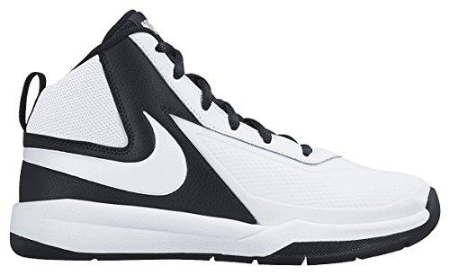Nike  Team Hustle D 7 (GS),  Jungen Basketball Turnschuhe, Schwarz-Weiß, EU 39 (US 6.5Y)