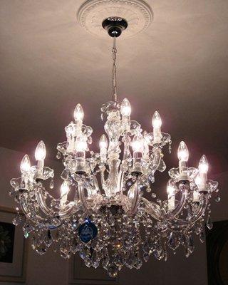 lustre-18-bras-75-cm-avec-spectra-cristal-de-swarovski-de-couleur-argent