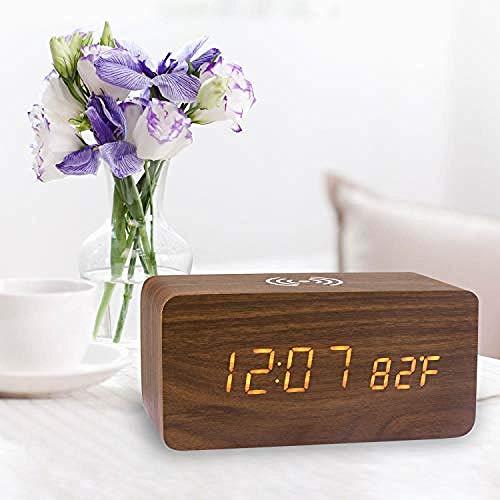 Reloj despertador de madera con almohadilla de carga inalámbrica LED Reloj despertador...