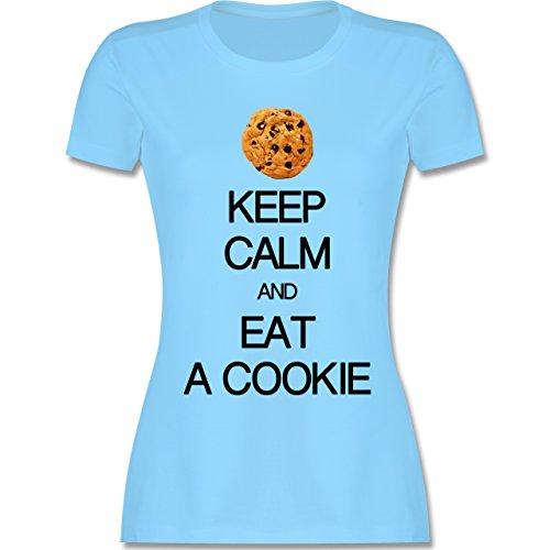 Keep Calm - Keep Calm and eat a Cookie - S - Hellblau - L191 - Damen Tshirt und Frauen T-Shirt (Cookie Monster Kostüm Frau)